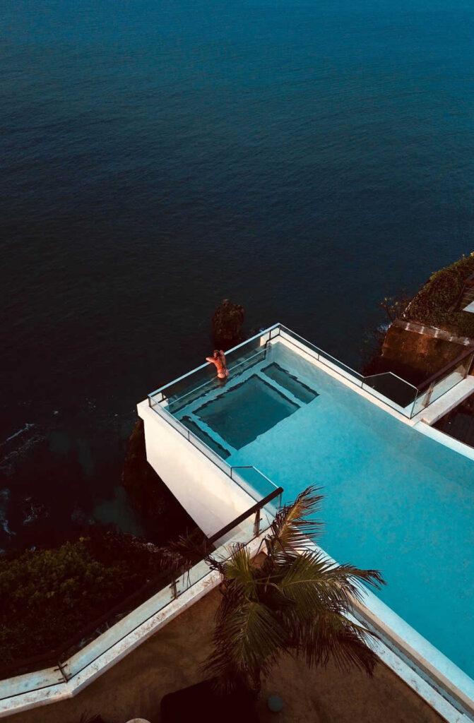 Bali pool edge (1)