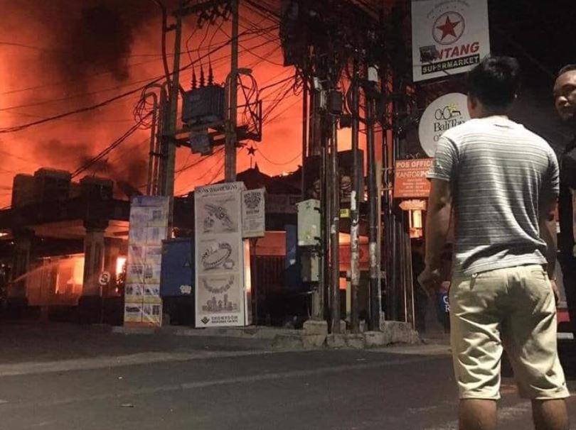C:\Users\coach\Desktop\Bintang Supermarket fire.jpg