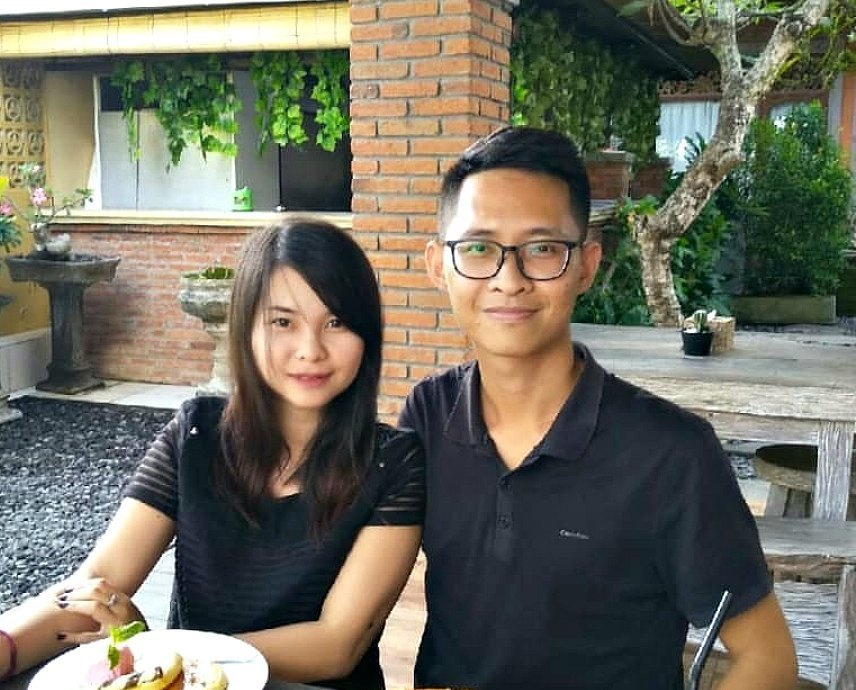 Bali Private Driver Gives Away Rp 4 Million TIP To His Parents To Fix Their Sidewalk