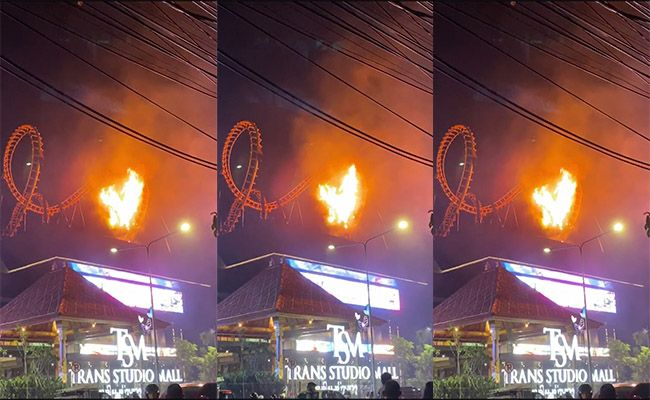 Trans Studio Mall Roller Coaster Catches Fire