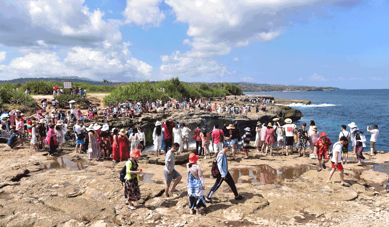Nusa Penida Hit Hard After Chinese Tourists Drop '100%' Amid Coronavirus