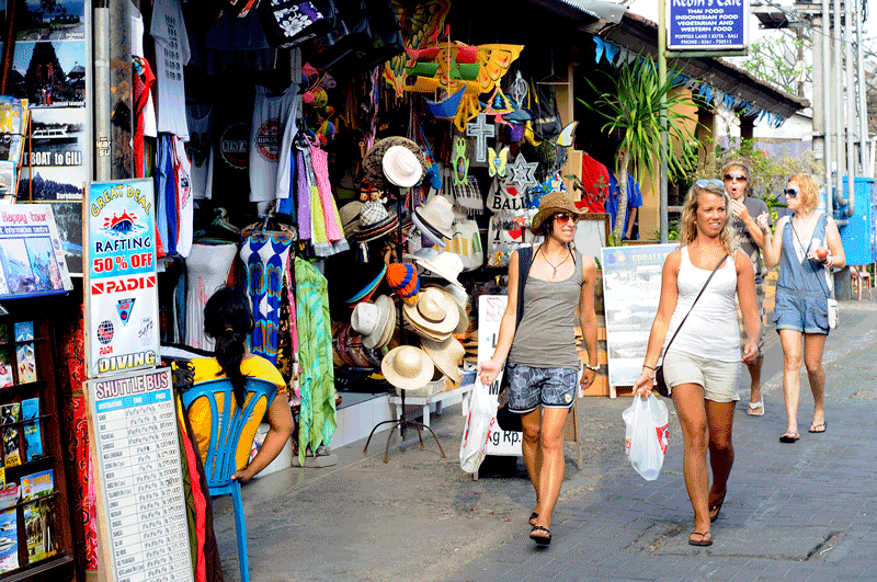 foreign-tourists-in-bali