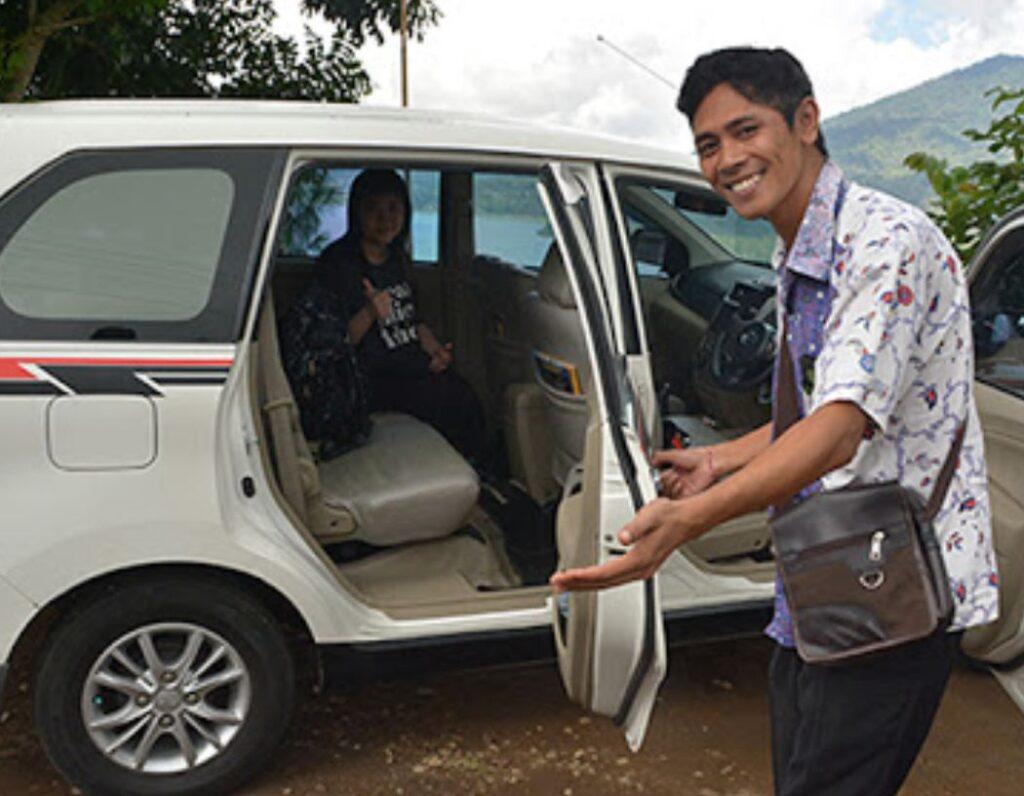 bali driver gets help