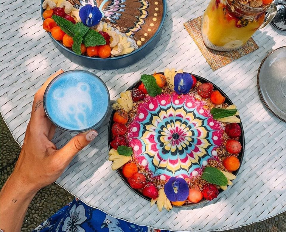 Blu cafe smoothie bowl delivery in ubud bali