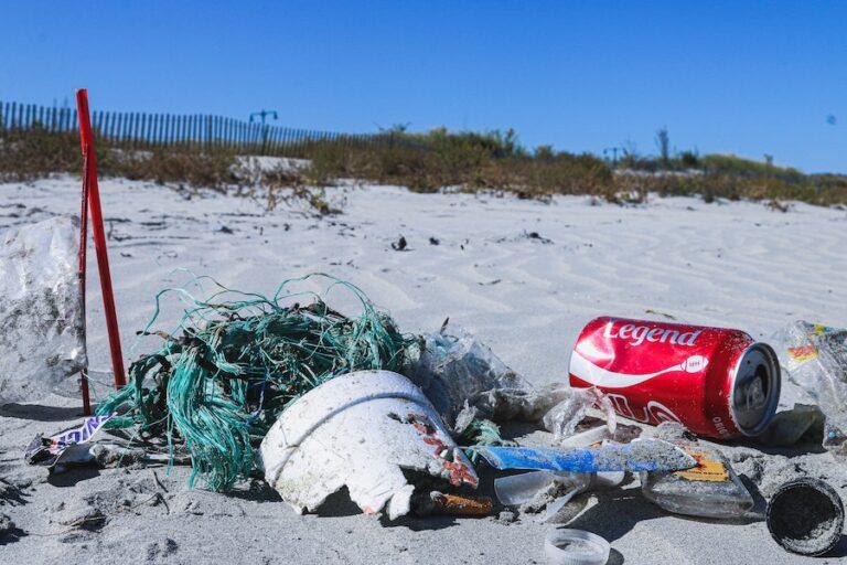 picking up garbage on beach in bali