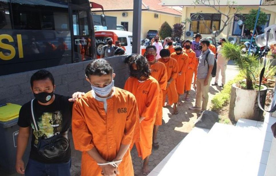 Two Bali Police Officers Charged With Drug Trafficking