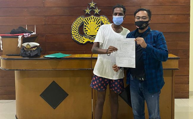 Singapore National Claims He Was Held Captive By Bali Villa Owner