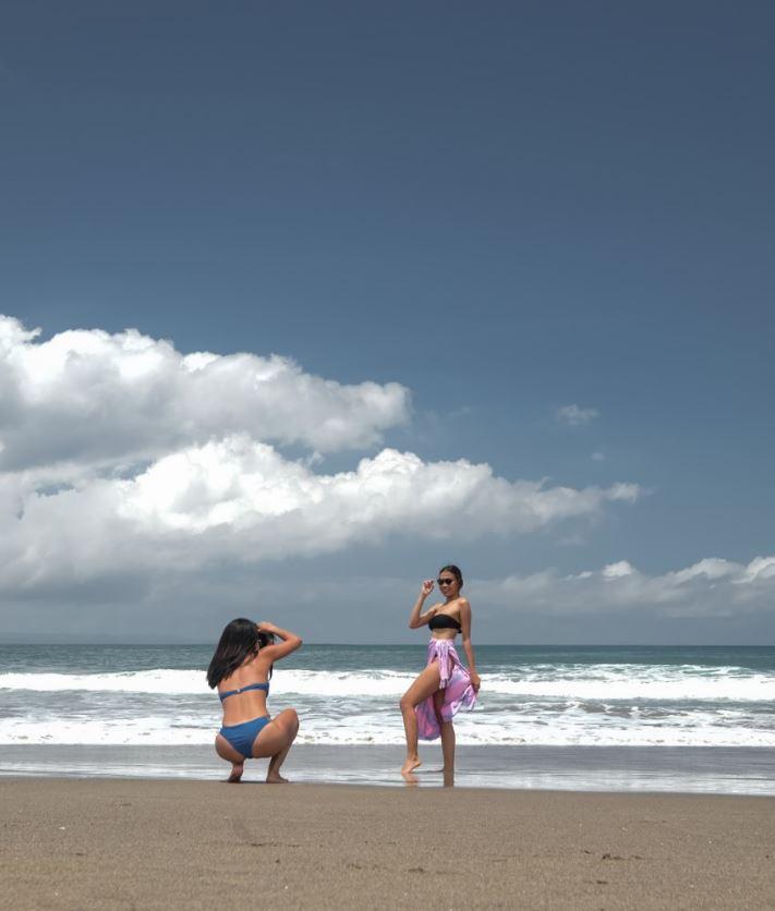 domestic tourists beach