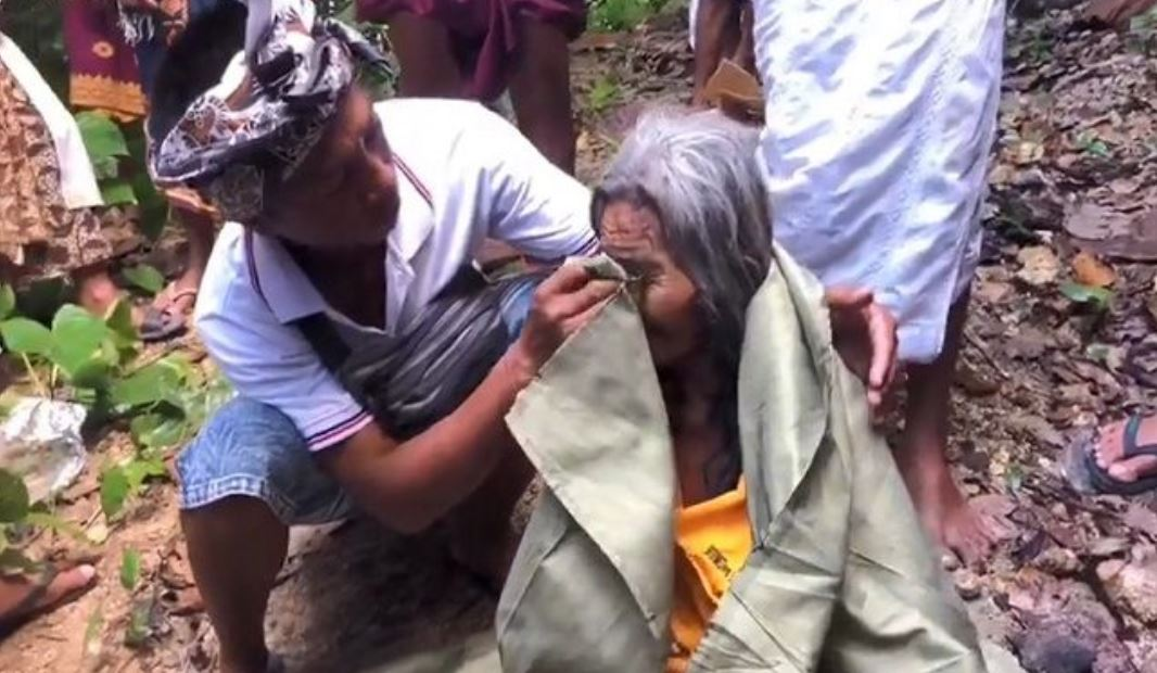 80 Year Old Woman Survives Ten Days Trapped in Bali Ravine
