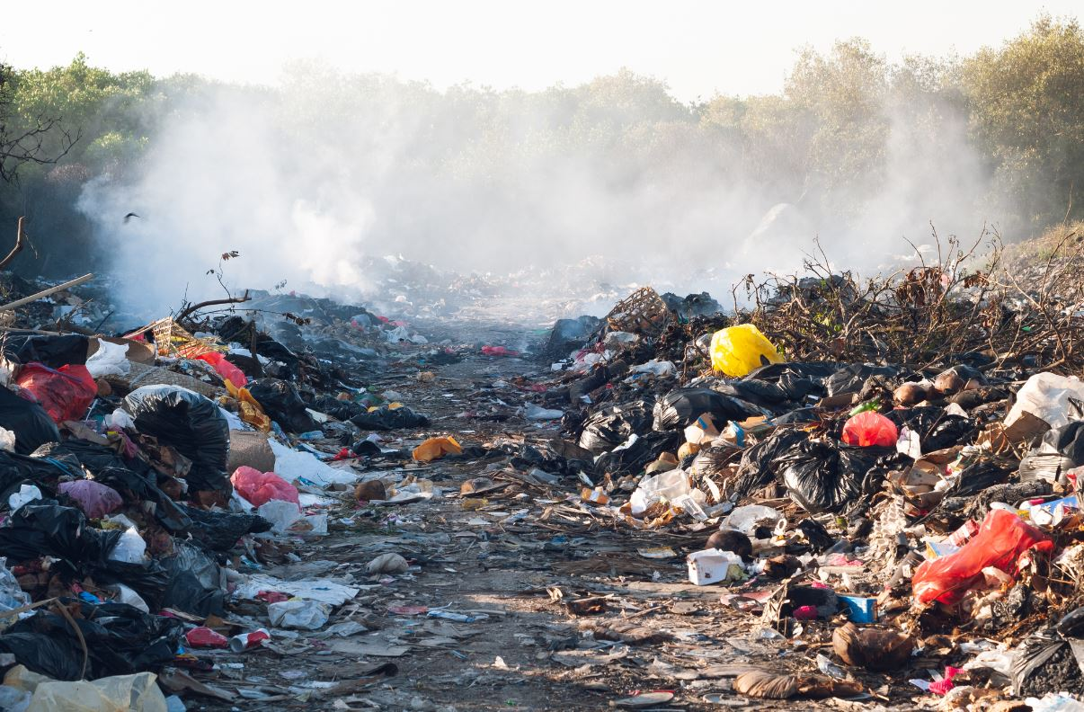 Klungkung Bali Residents Scavenging Landfill To Survive