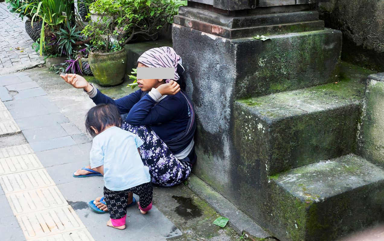 8 People Detained For Begging on Bali Streets