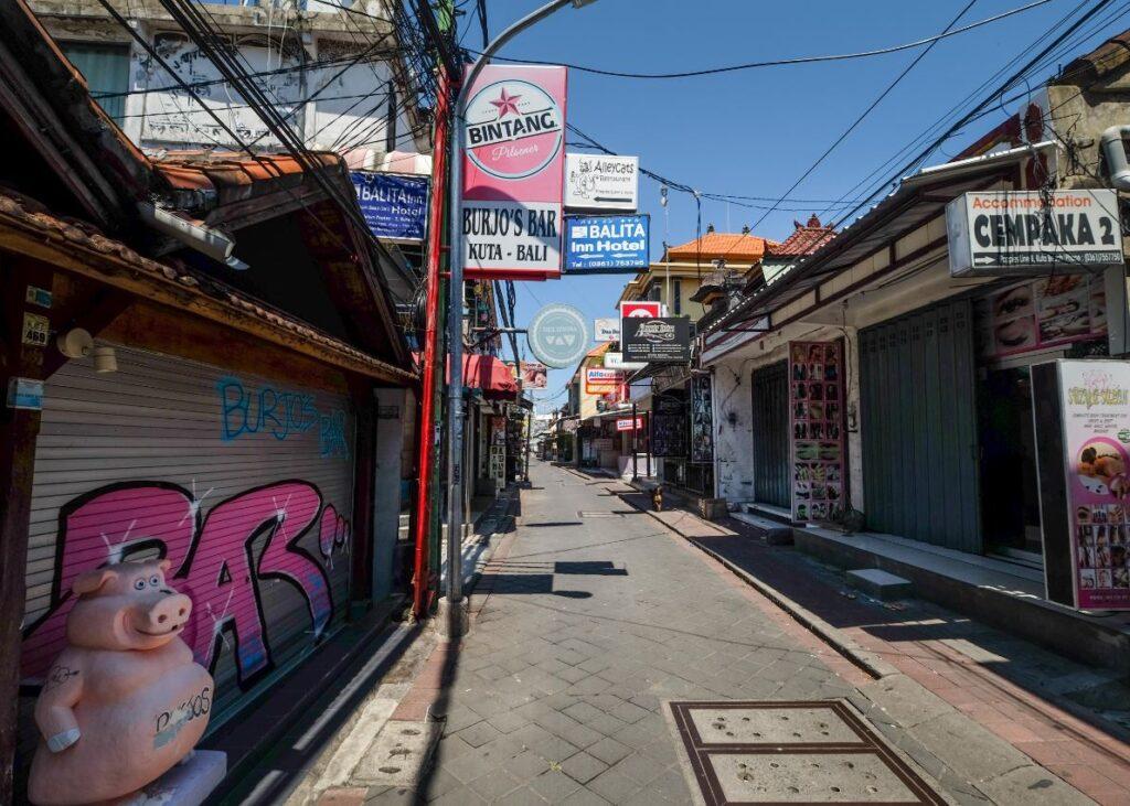 empty streets legian