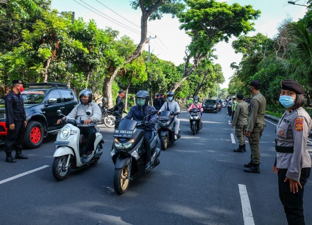 police mask operation 3