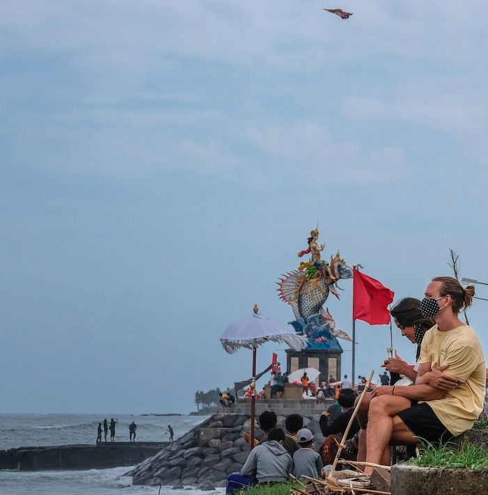 Bali beach mask tourist
