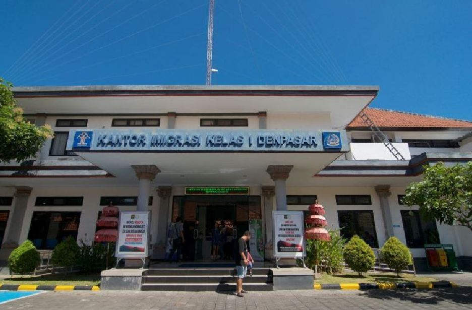 Ukrainian Mother And Daughter Deported After Overstaying Visa in Bali