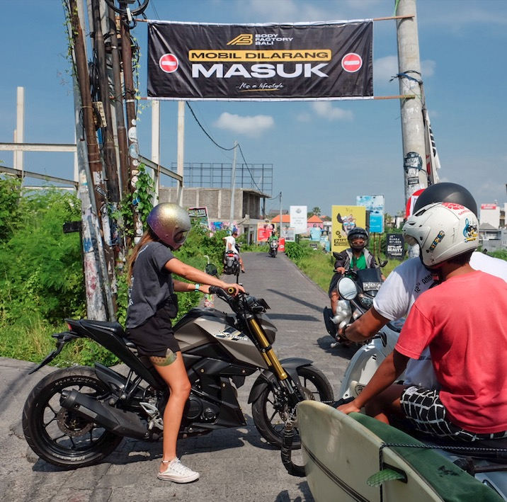 motorcyclists in Bali