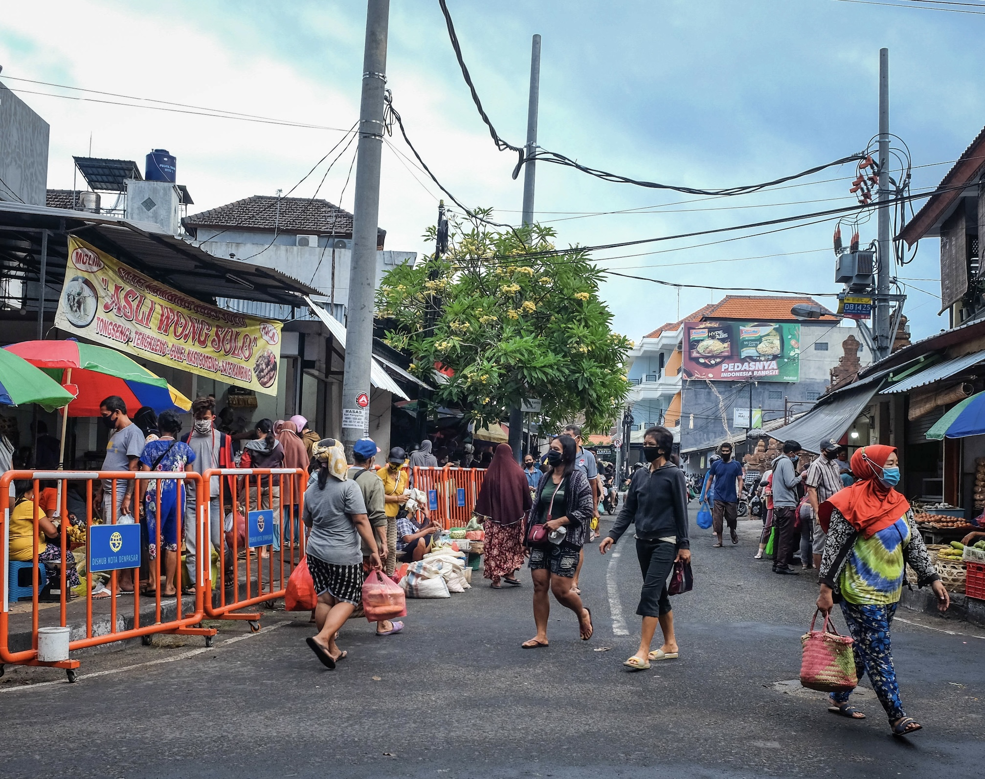Bali Authorities Conduct Random Covid-19 Testing In Public Places