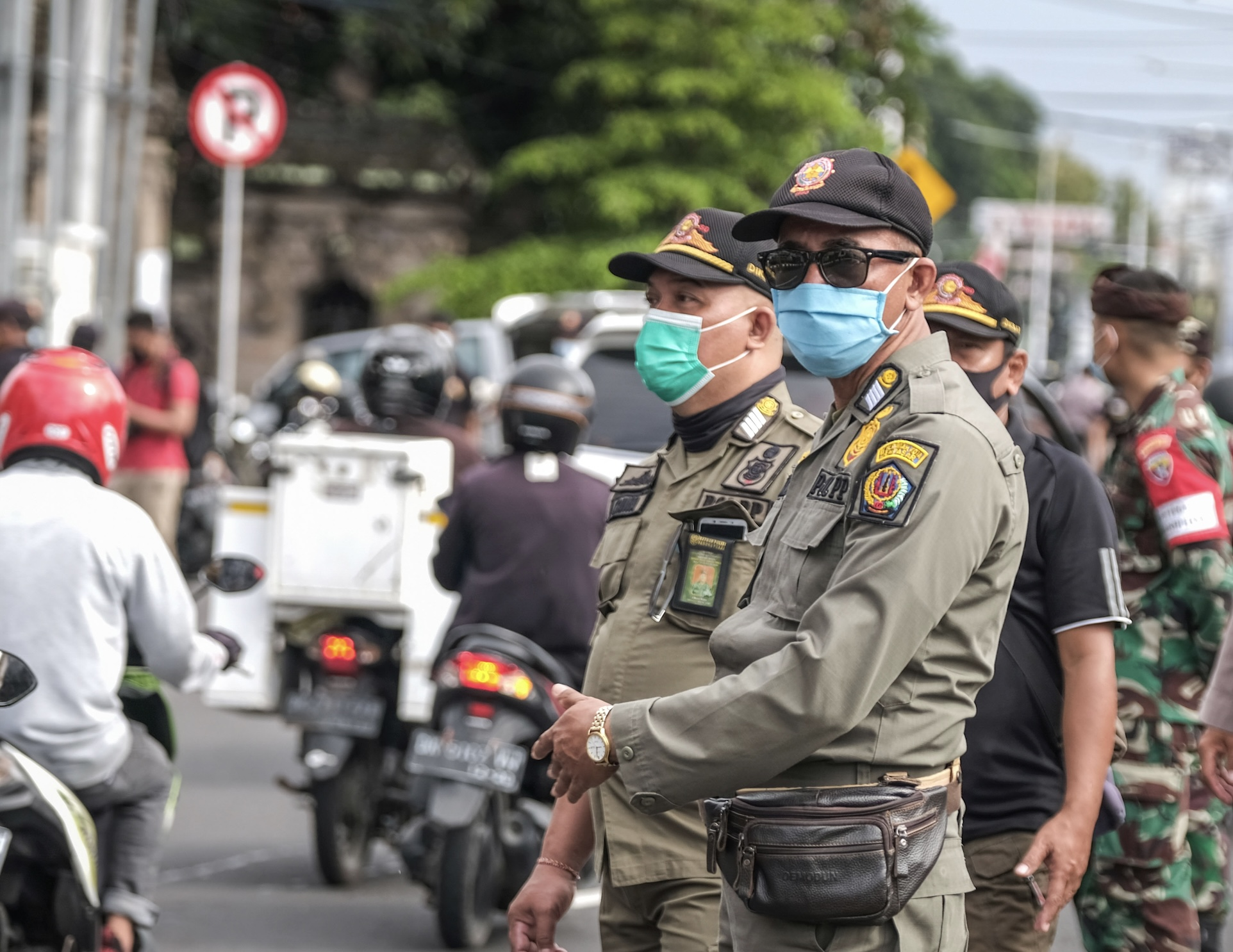 Bali Police Mocked By Foreigners Refusing To Follow Protocols