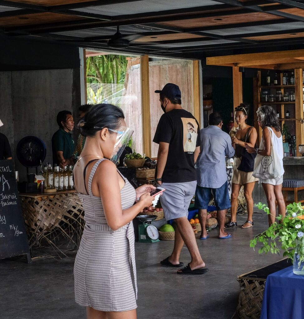 Bali shopping locals