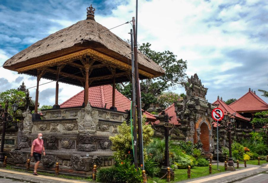 Indonesia Extends International Flight Ban Until February 8