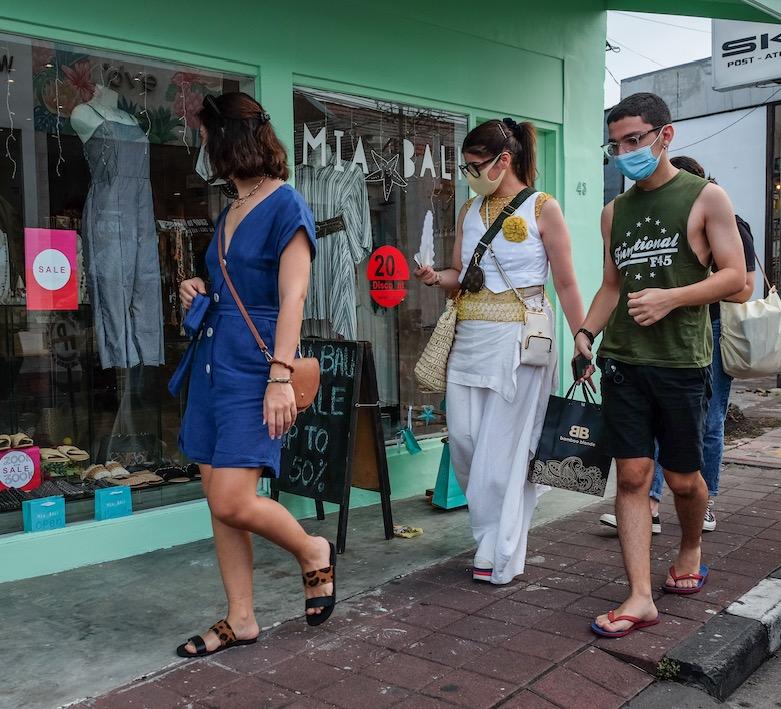 tourists shopping in Bali