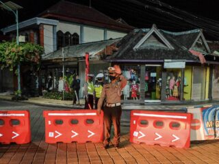 Authorities Conduct Rapid Testing At Night Clubs And Cafes In Bali