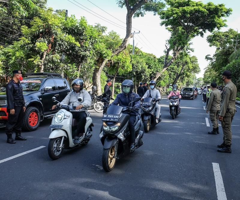 Motorbikes police