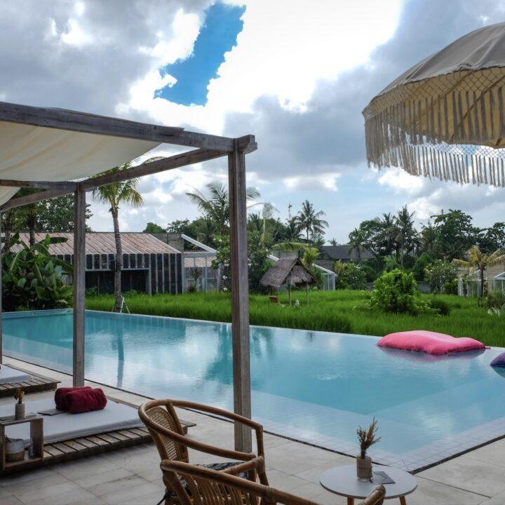 Tourism Minister Seeks Financial Aid For Bankrupt Hotels