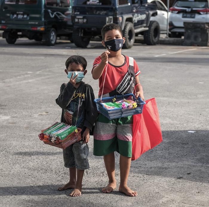children on streets poverty