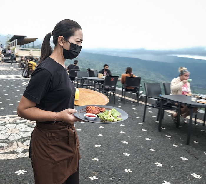 hotel cafe server face mask