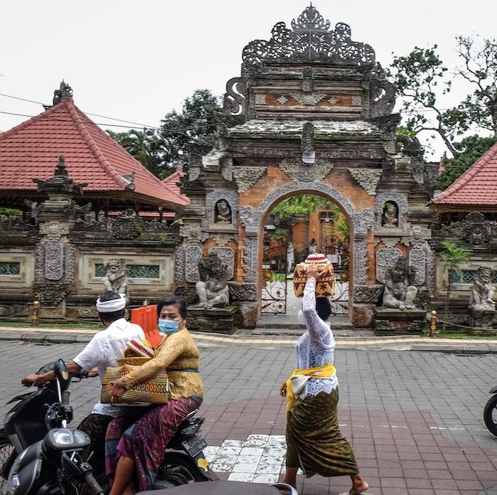 locals mask temple