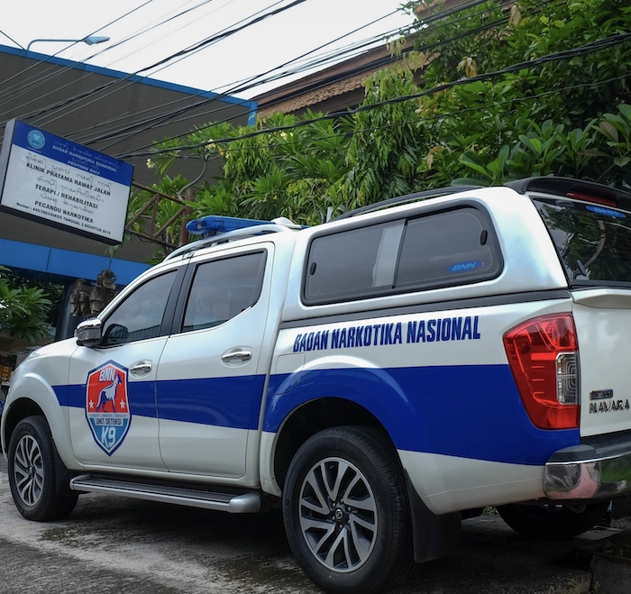 narcotics police truck