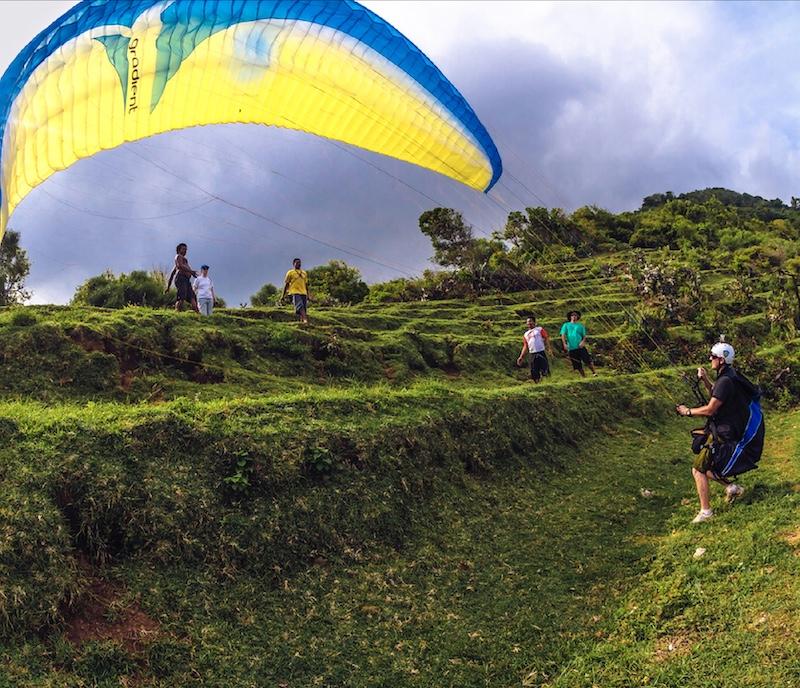 paragliding tourists Bali