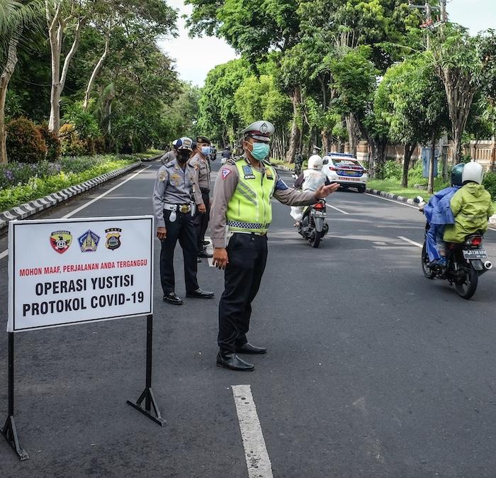 police mask operation