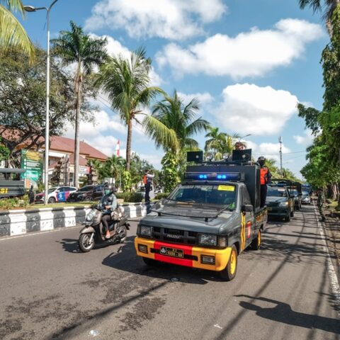 A laundry business that is owned by a 43-year-old woman named Ni Nyoman AA and her husband in Mengwi has been robbed and her husband has just died from Covid-19.