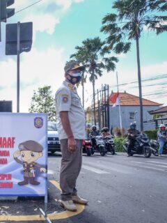 Bali Officials Begin Distributing Vaccines Door-To-Door