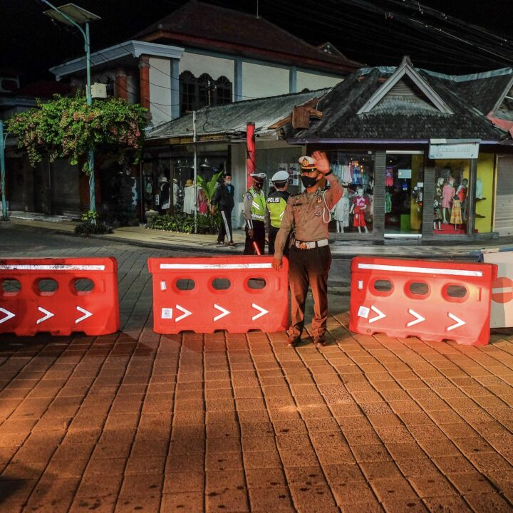 Car With Expat Crashes in Kuta Due To Driving Under Influence