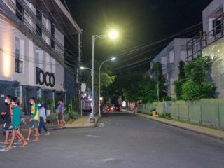 A 41-year-old man with initial IMB (Made) has been detained from his house in Jalan Tukad Petanu, Denpasar by the authorities after going mentally out of control.