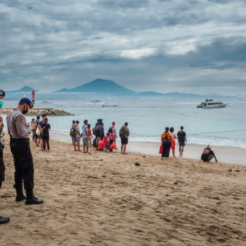The Sanur Port facility has been busy with domestic tourists who plan to go to Nusa Penida and Nusa Lembongan during Easter holiday.
