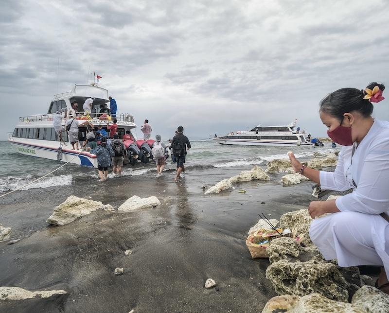 ferry tourists