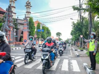 A 75-year-old man named I Ketut Ruja has died after colliding with another motorbike on Jalan Penebel - Senganan, Tabanan.