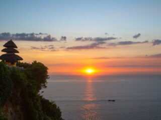 Officials from Badung regional government have launched an electronic ticketing system and Covid-19 breathalyzer testing at the Uluwatu Temple.