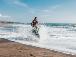 Authorities from Negara Police Department have detained multiple teenagers and seized 6 motorbikes from street racing on Bali beach.
