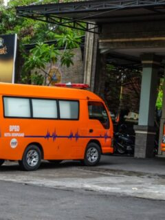 A 22-year-old college student named Ni Putu Sari Suriani from Rendang, Karangasem has lost her life after getting run over by a truck on Thursday evening (6/5) around 9:30pm.