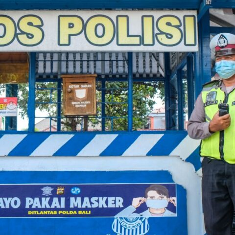 A 37-year-old man named I Made Ari Dwikrisna has been arrested by officers from the Badung Police Department after snatching a cellphone from a Russian woman in Bali.