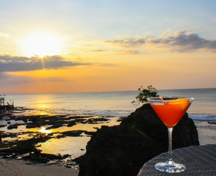 bali-sunset-with-drink