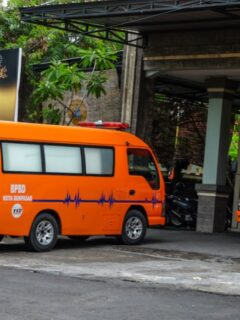A woman who has been serving prison time at the Kerobokan Prison has died after consuming disinfectant liquid on Friday morning (11/6).