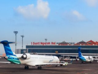 A video that has been uploaded by a foreign national named Jack Morris on his social media about his expensive parking fee at Bali Ngurah Rai Airport has gone viral.