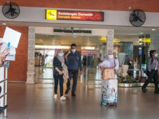 The Bali provincial government has decided to revoke the usage of the Genose C-19 Breathalyzer Test as an entry requirement for domestic visitors.