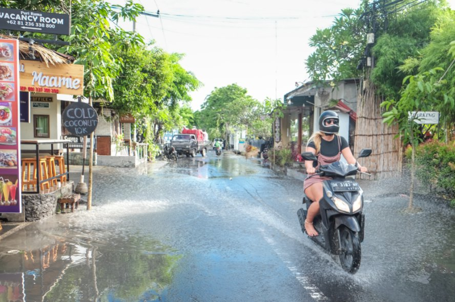 A college student named Badi Saputra from Lombok, West Nusa Tenggara has been arrested after stealing a motorbike that belongs to an expat woman from a villa in North Kuta.